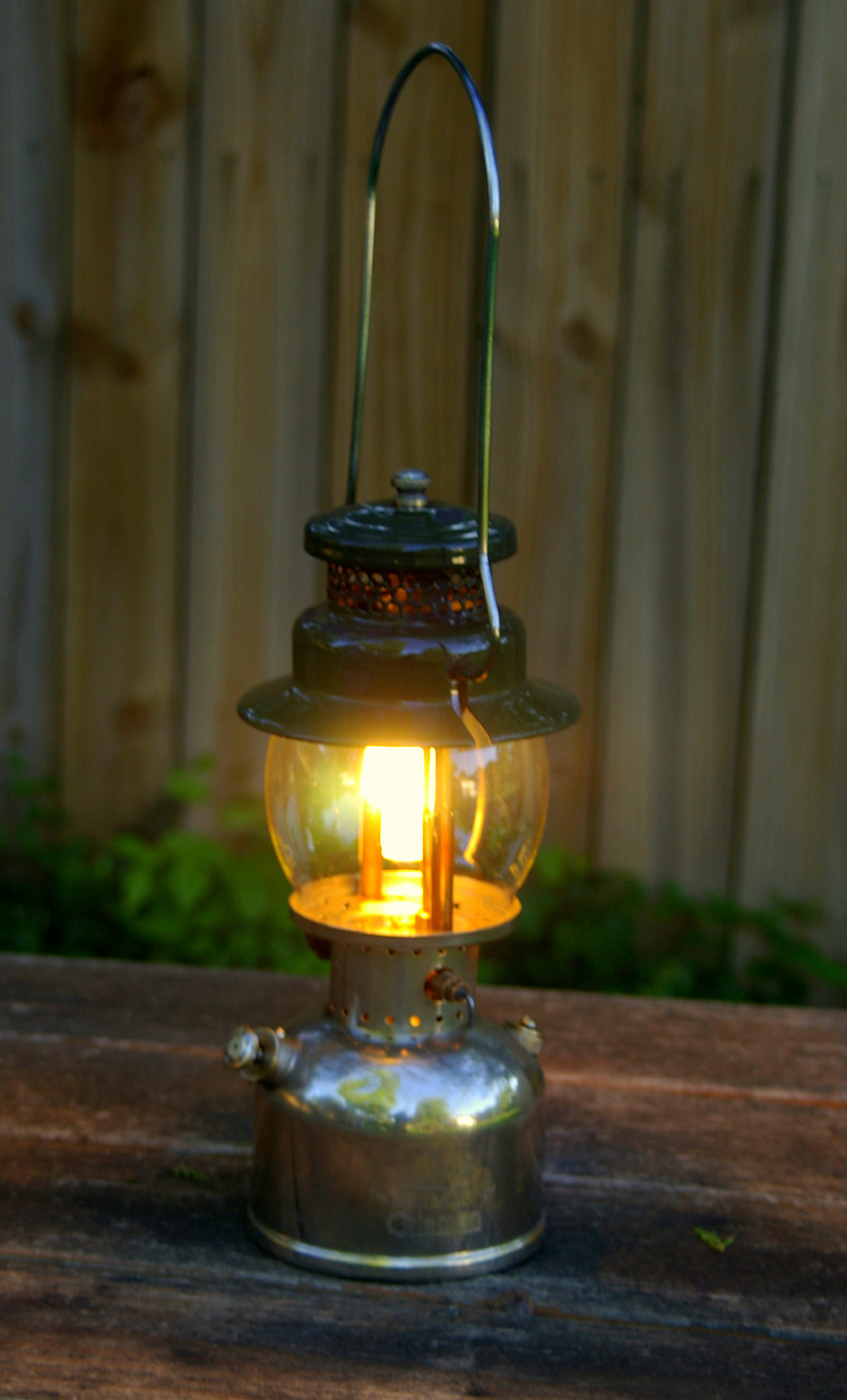Coleman 242c Pressure Lantern Made in 1948   THE WOODS LIFE